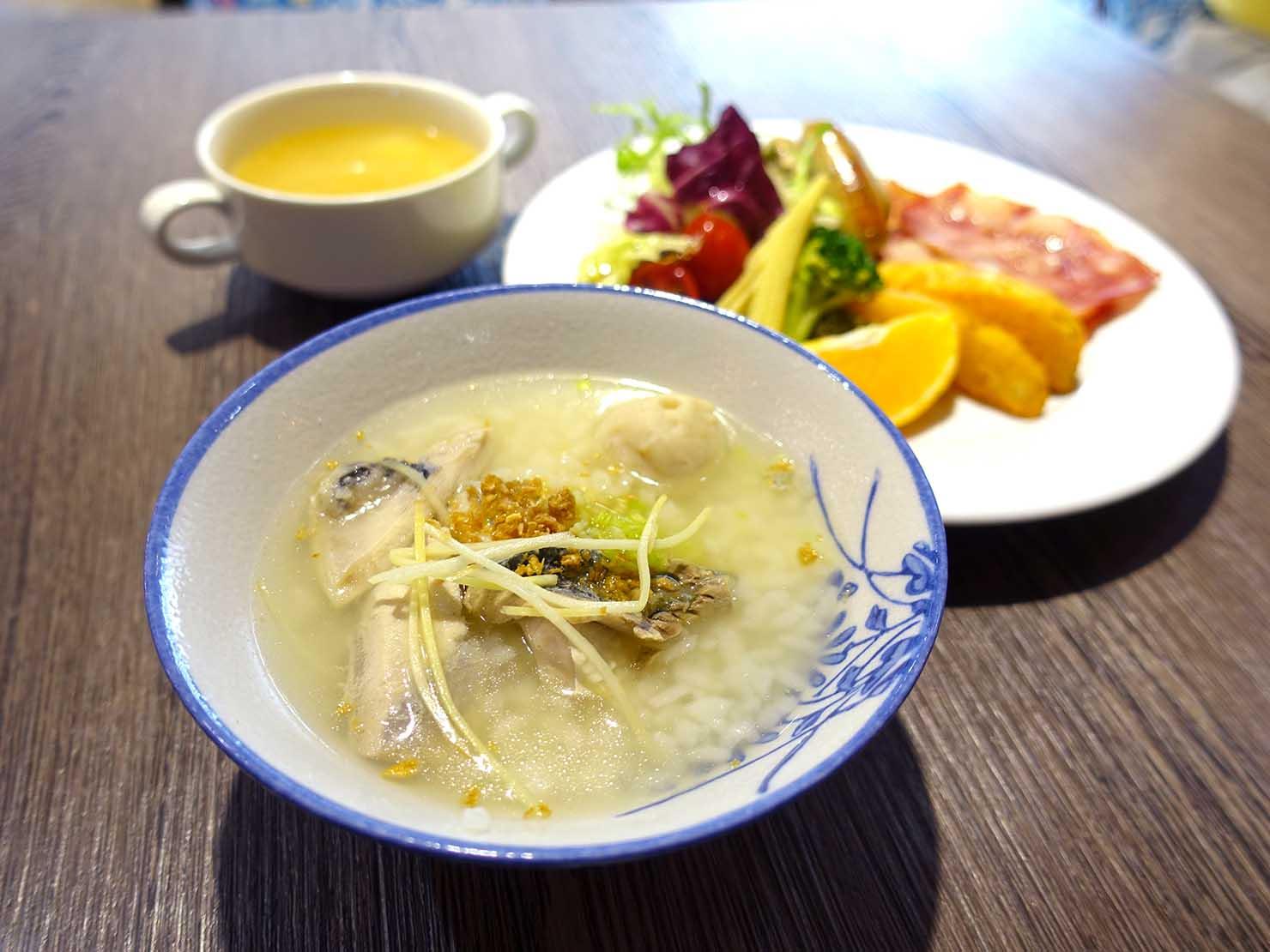 台南市内観光におすすめのホテル「長悅旅棧」朝食ビュッフェ+虱目魚粥(サバヒー粥)