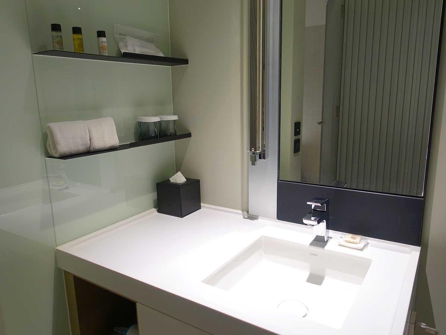 高雄市内観光におすすめのホテル「GREET INN 喜迎旅店」の豪華雙人房(デラックスダブル)のシンク