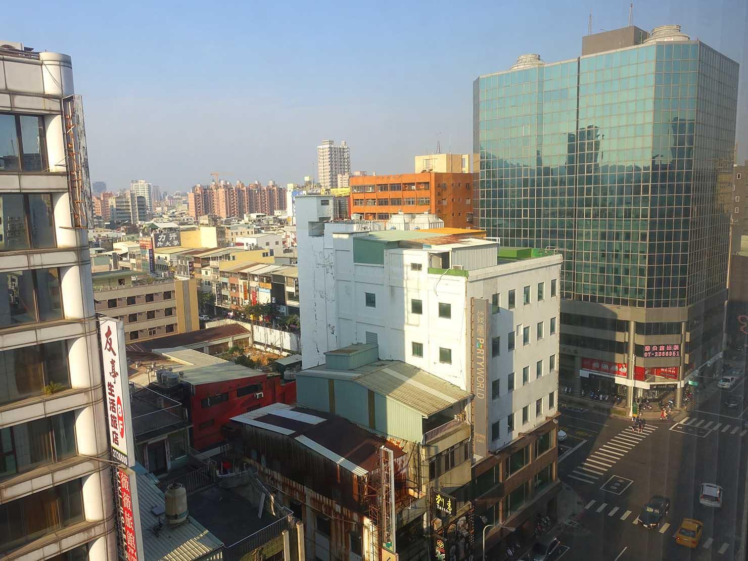 高雄市内観光におすすめのホテル「GREET INN 喜迎旅店」の豪華雙人房(デラックスダブル)からの眺め