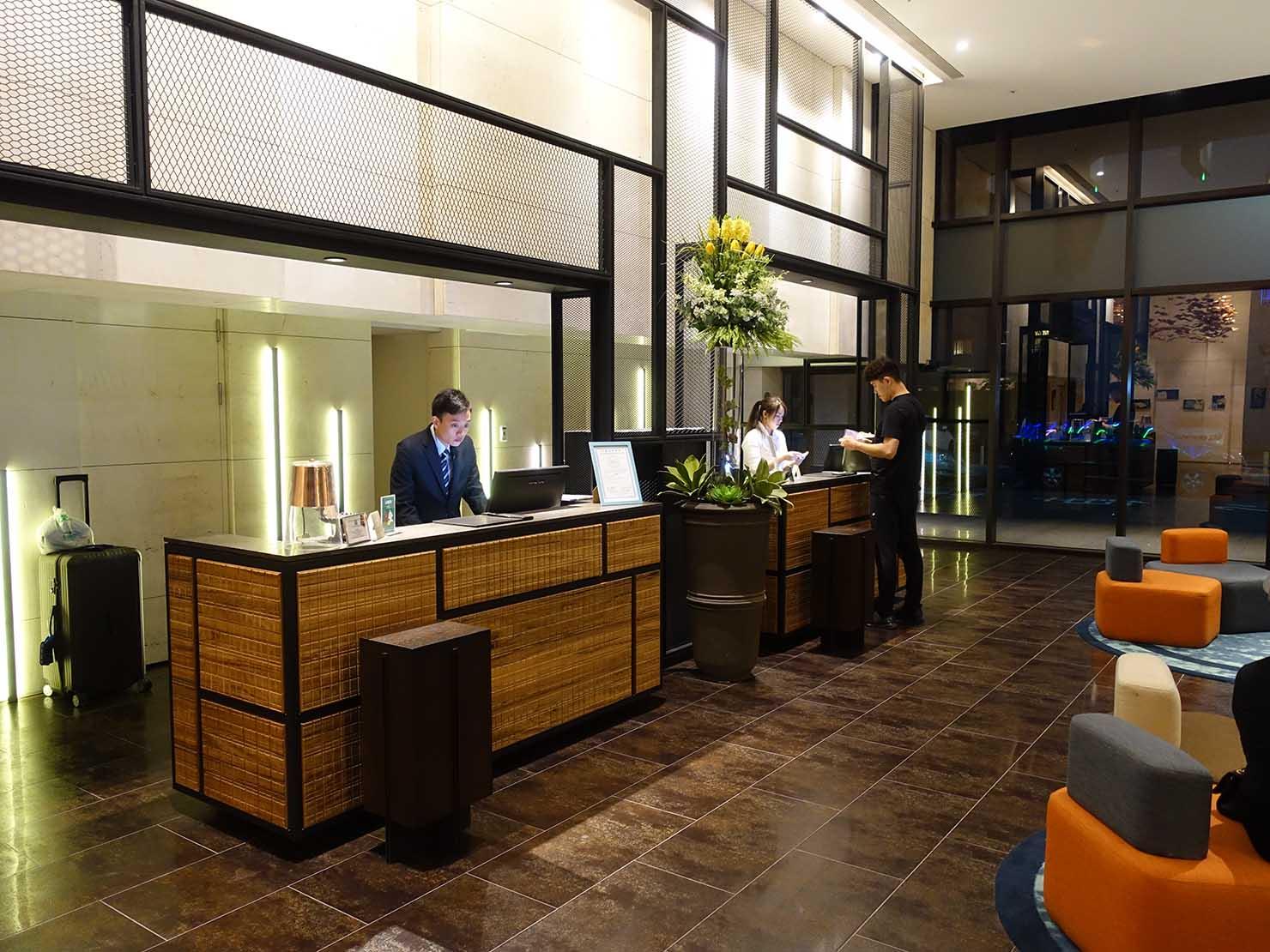 高雄市内観光におすすめのホテル「GREET INN 喜迎旅店」のフロント