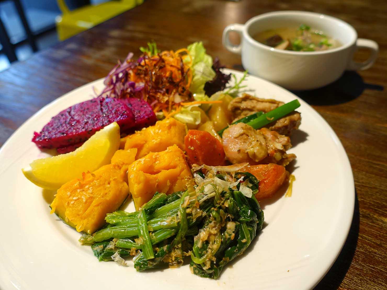 高雄市内観光におすすめのホテル「GREET INN 喜迎旅店」の朝食ビュッフェ