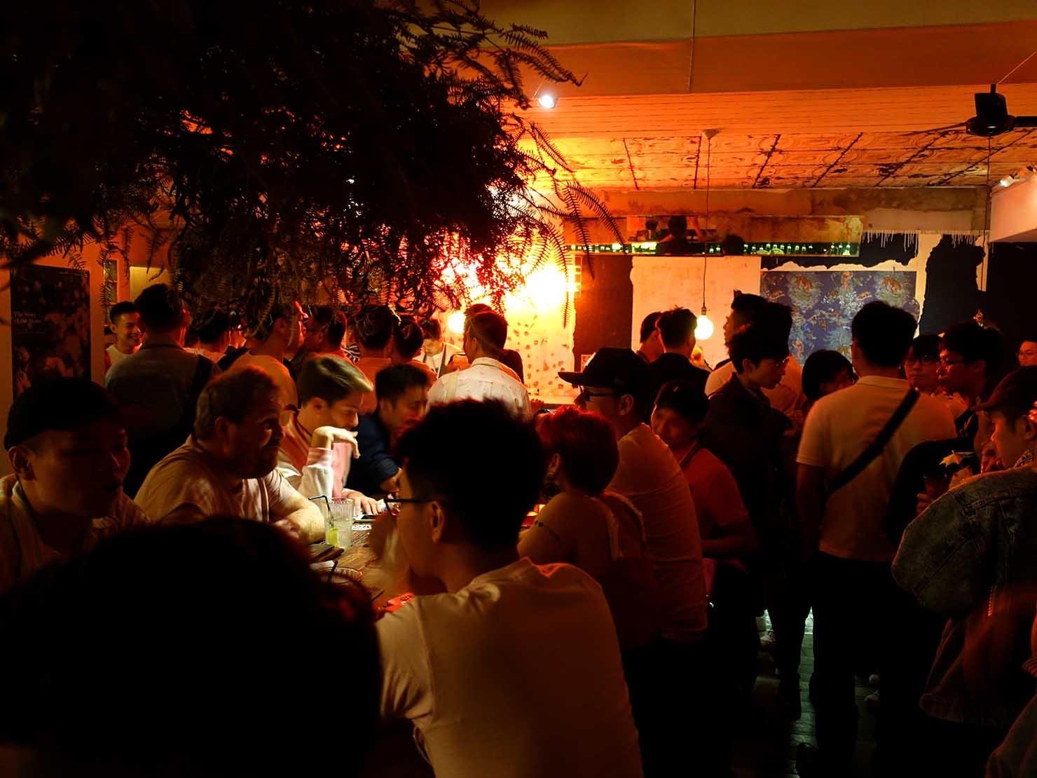 台北・國父紀念館近くのLGBTフレンドリーなビストロ「Fairy Taipei」のピンクパーティー