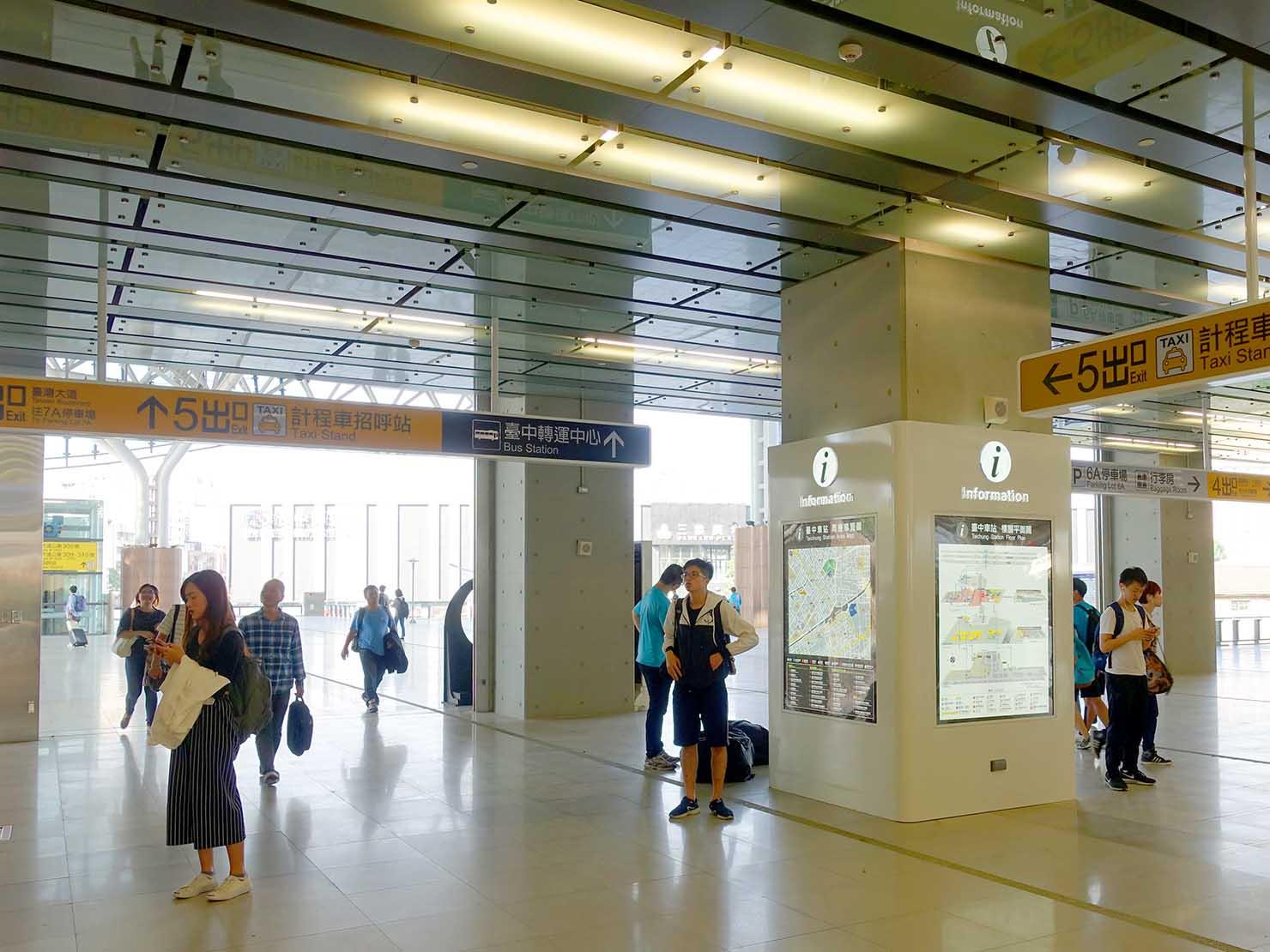 台鐵台中駅の改札前
