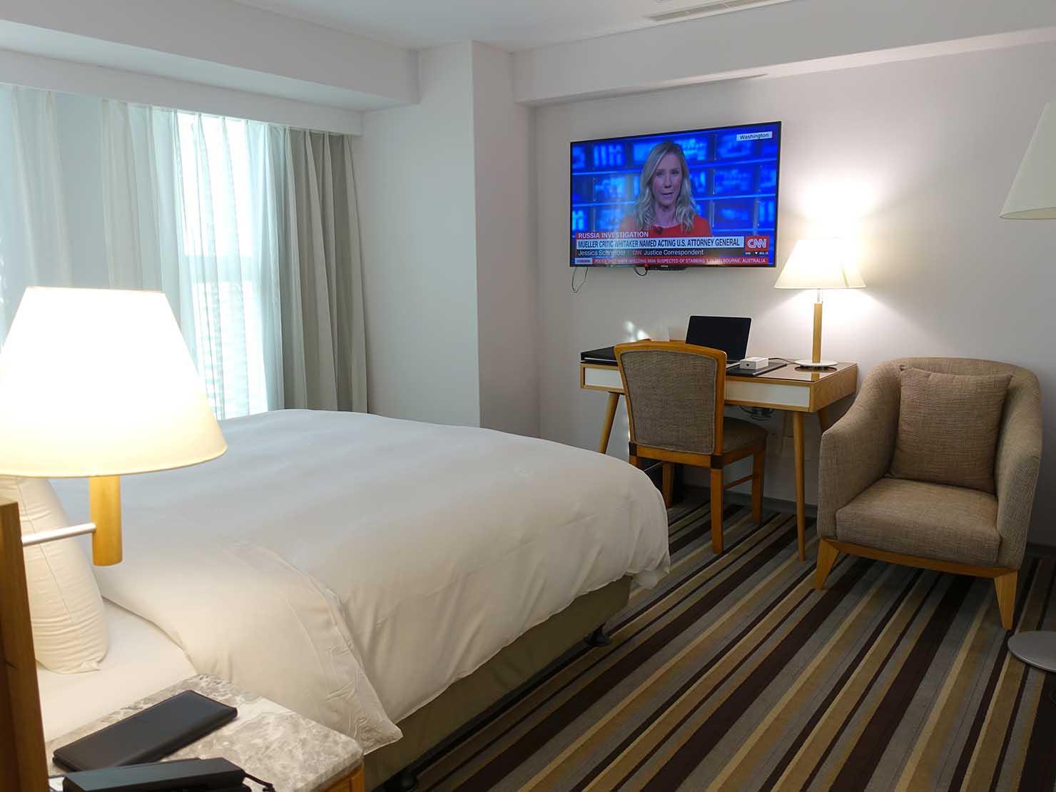 台中のおすすめホテル「卡爾登飯店 The Carlton」玄関側から見るデラックスダブルルーム
