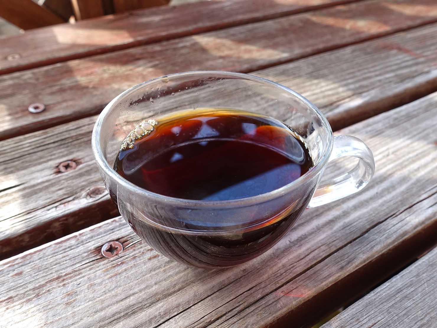 台北おみやげにおすすめのコーヒーブランド・SONBERNORの台湾コーヒーを淹れたイメージ