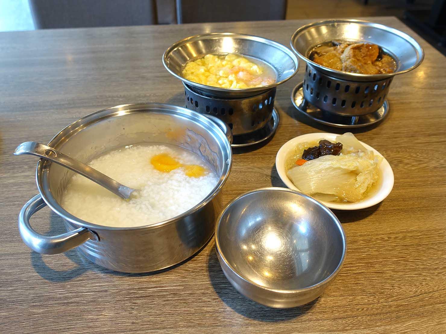 台北・清粥街(お粥街)にある「一流清粥小菜」のお粥と料理