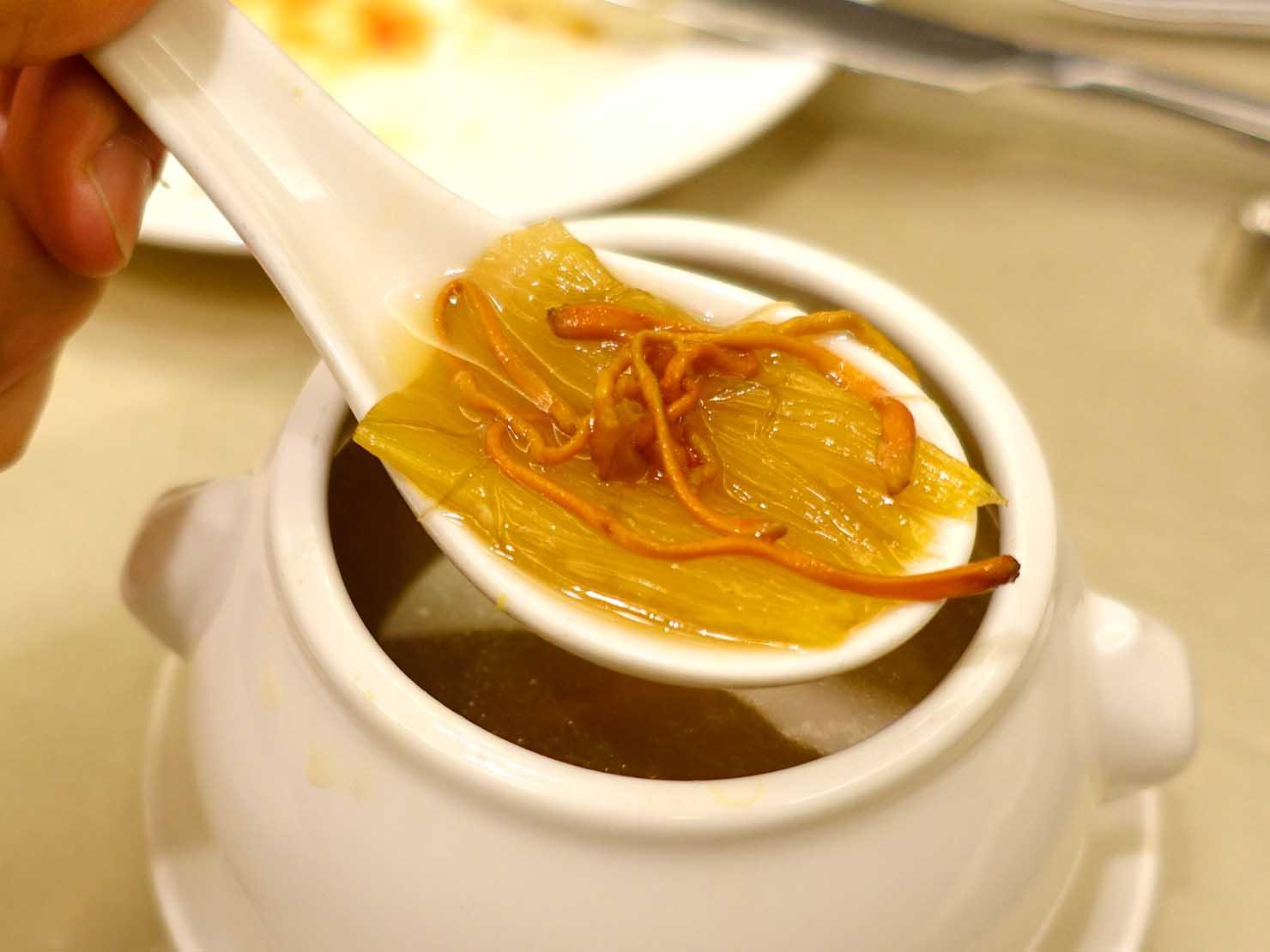 台湾春節前の定番忘年会「尾牙(ウェイヤー)」で振舞われたフカヒレスープ