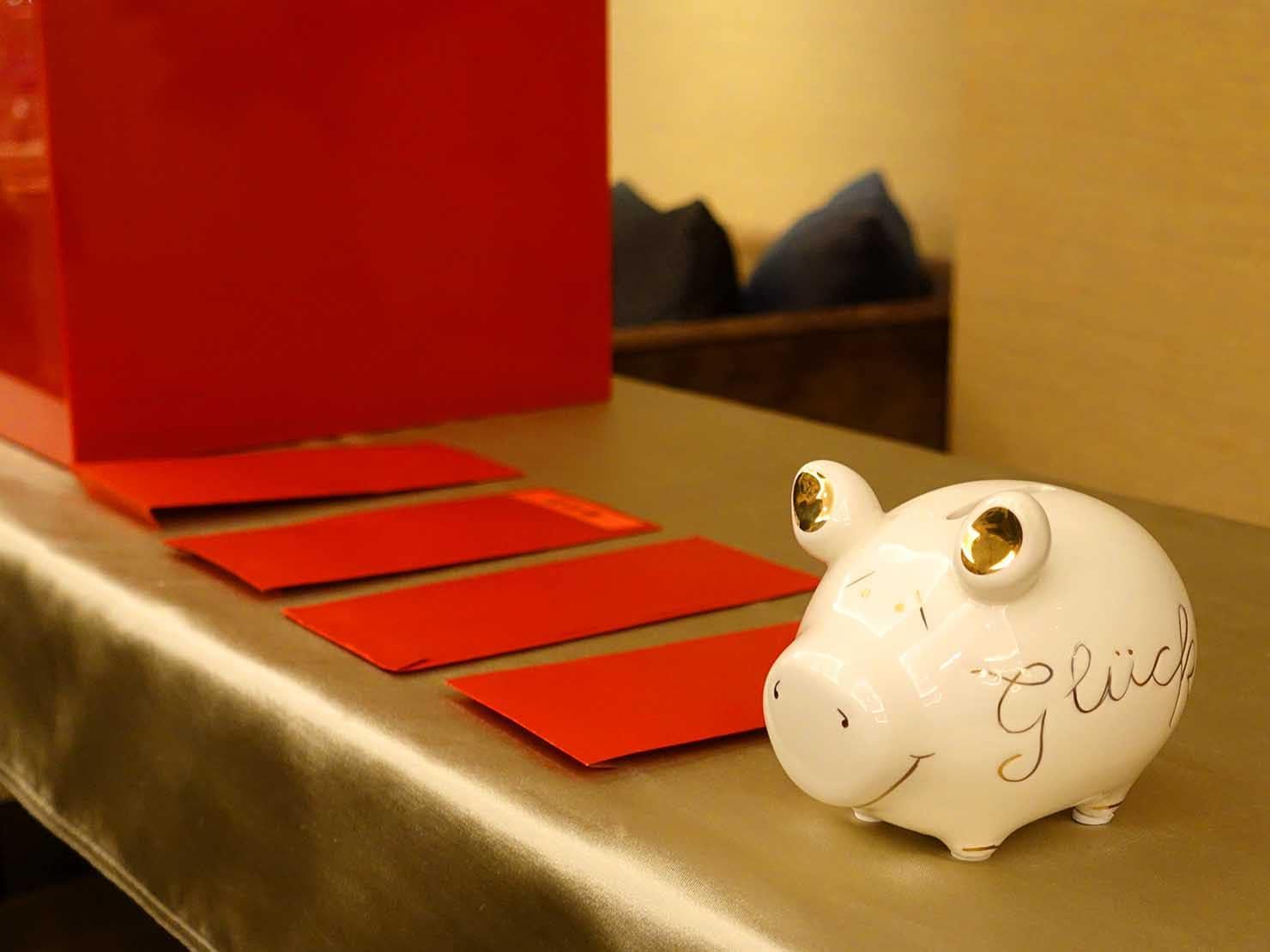 台湾春節前の定番忘年会「尾牙(ウェイヤー)」の抽選プレゼント・紅包(お年玉)