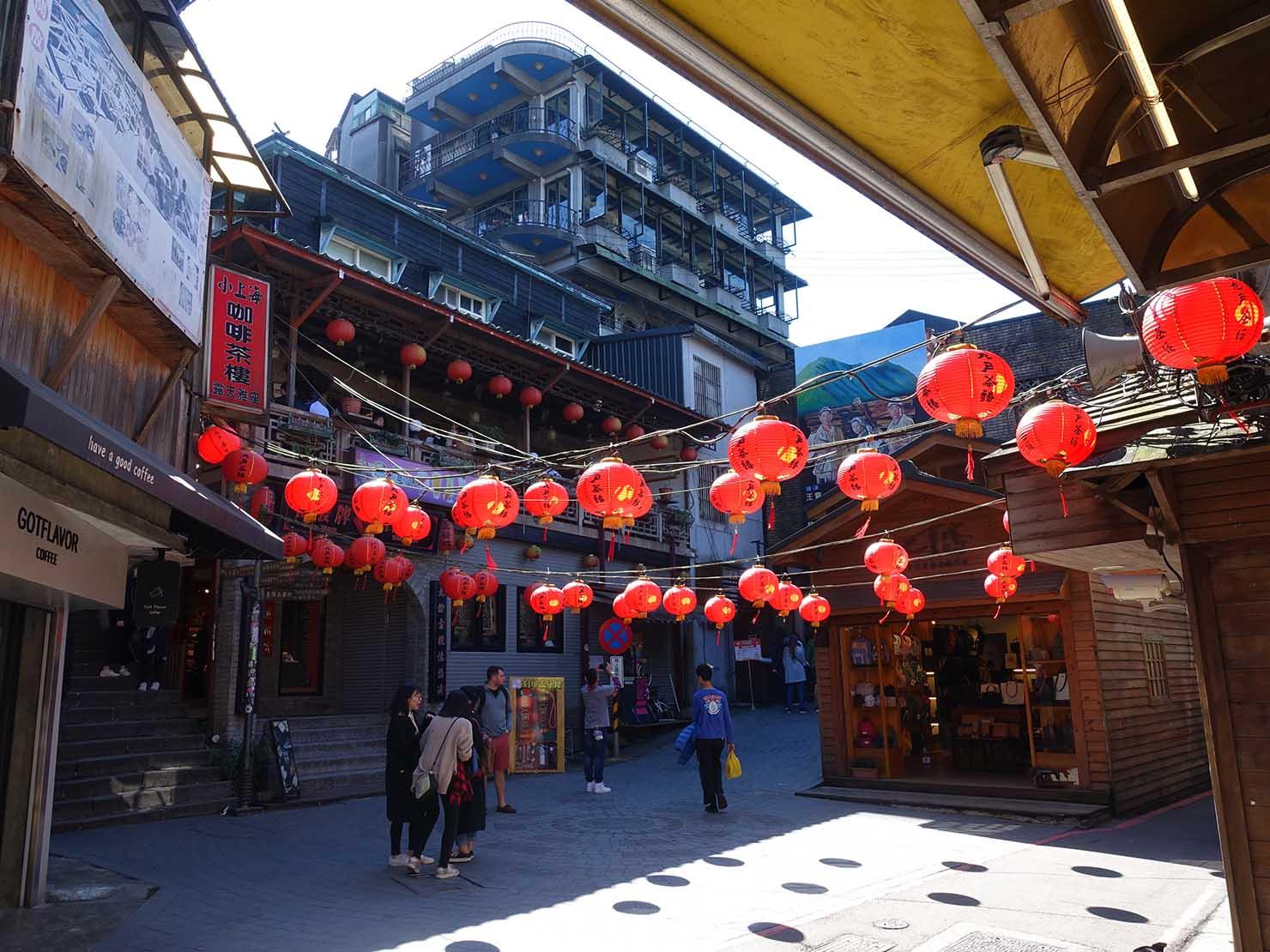 台北・九份の昇平戲院前広場