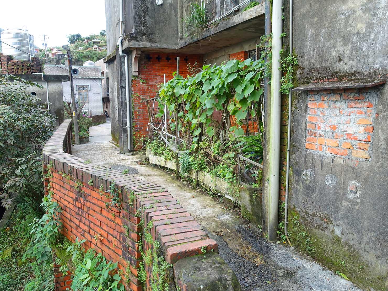 台北・九份の生活エリアにあるれんが造りの建物