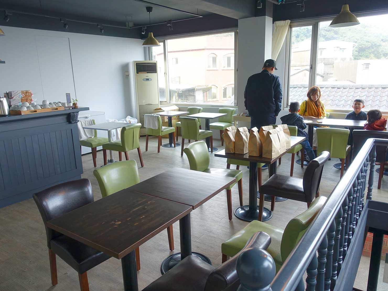 台北・九份のおしゃれなゲストハウス「九份山經」の朝食スペース