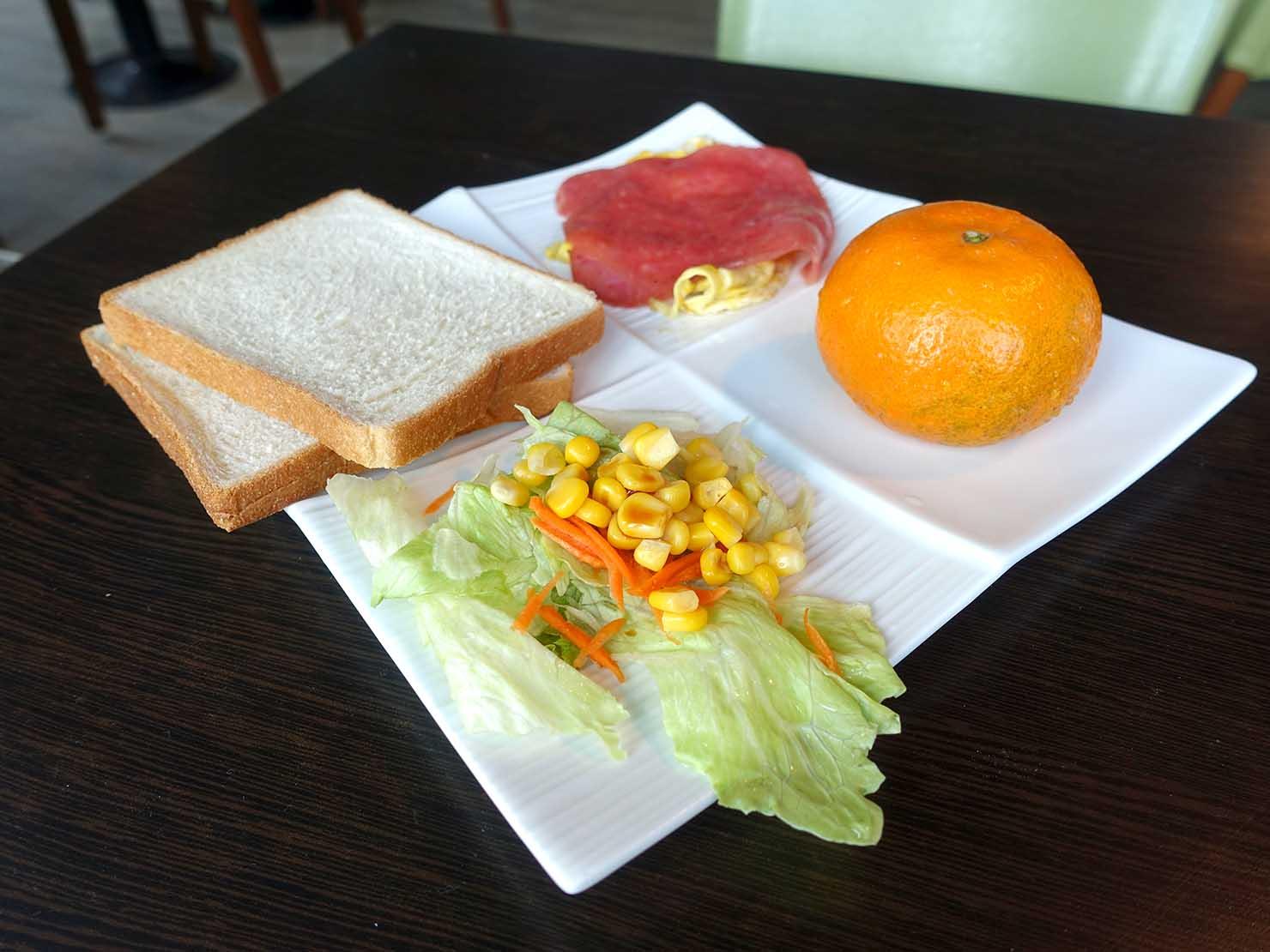 台北・九份のおしゃれなゲストハウス「九份山經」の朝食プレート