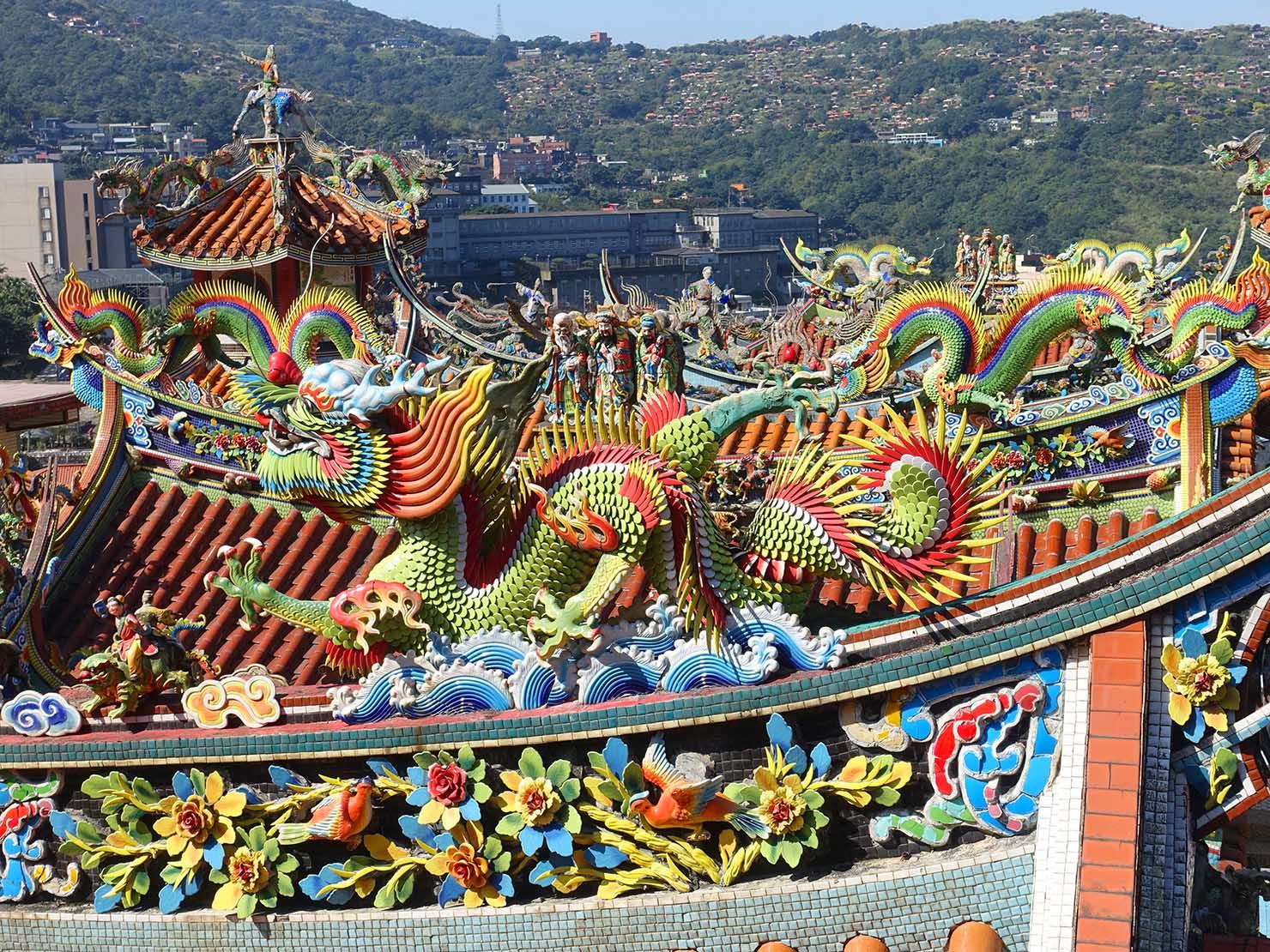 台北・金瓜石にある廟の屋根