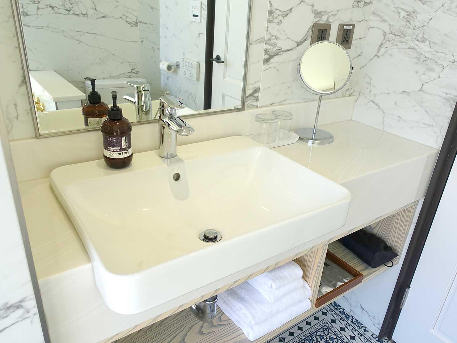 台北・大安の最高におしゃれなブティックホテル「chez nous 司旅」經典房(クラシックルーム)バスルームのシンク