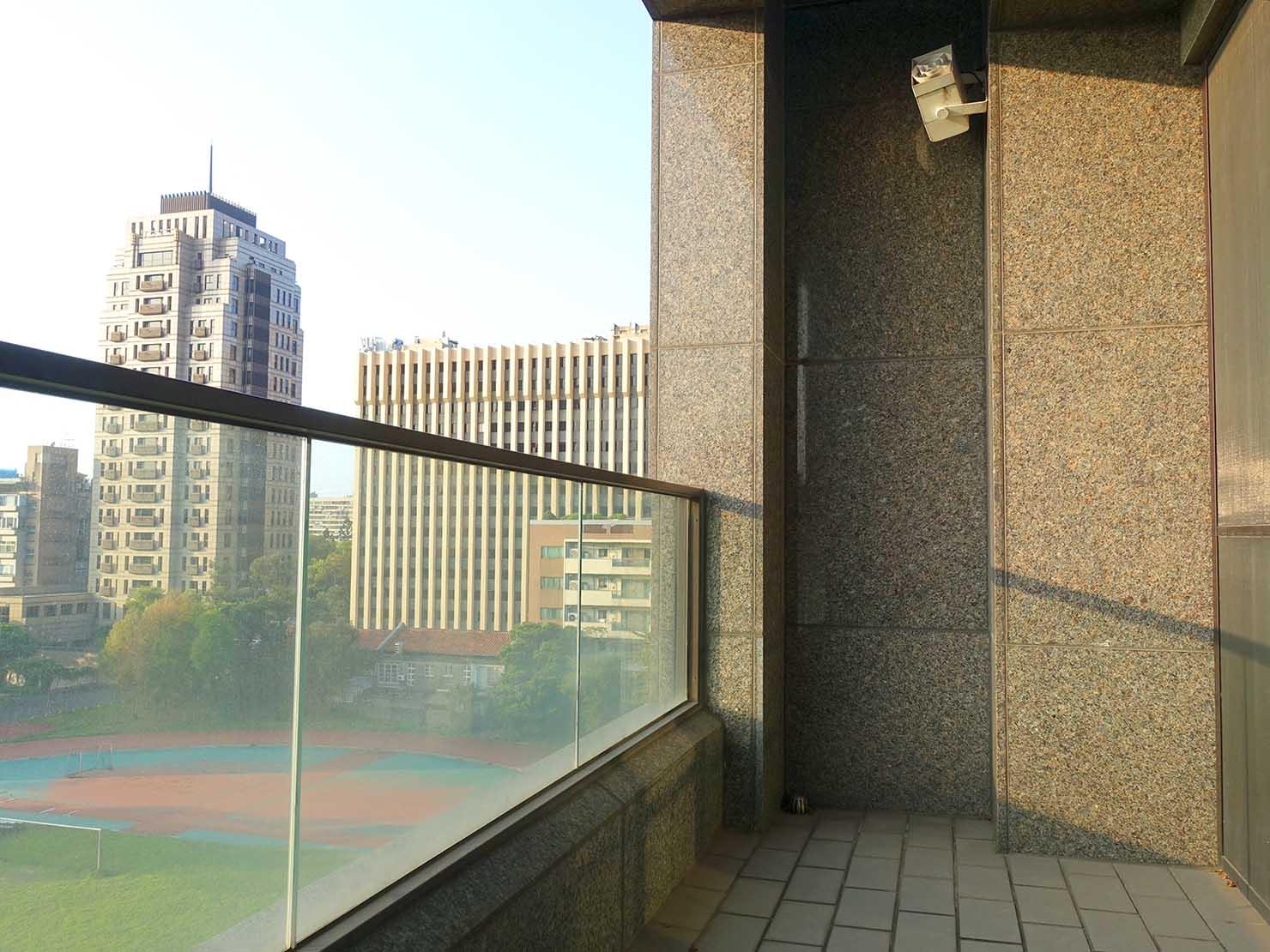 台北・大安の最高におしゃれなブティックホテル「chez nous 司旅」經典房(クラシックルーム)のベランダ