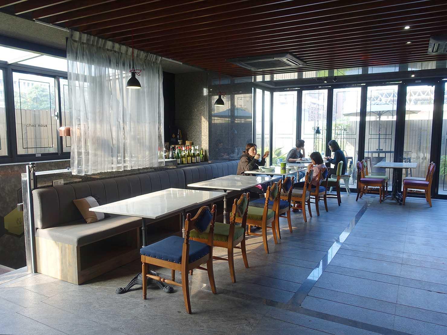 台北・大安の最高におしゃれなブティックホテル「chez nous 司旅」のダイニングスペース
