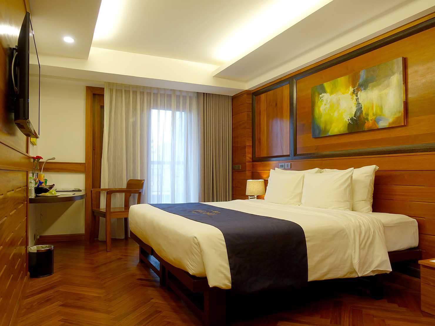 ハノイ旧市街ど真ん中の観光に便利なおすすめホテル「Hai Bay Hotel」玄関側から見たエグゼクティブ・ダブルルーム