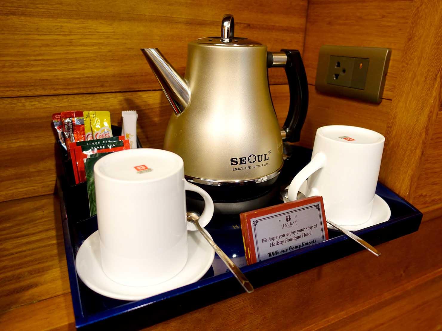 ハノイ旧市街ど真ん中の観光に便利なおすすめホテル「Hai Bay Hotel」エグゼクティブ・ダブルルームのポット
