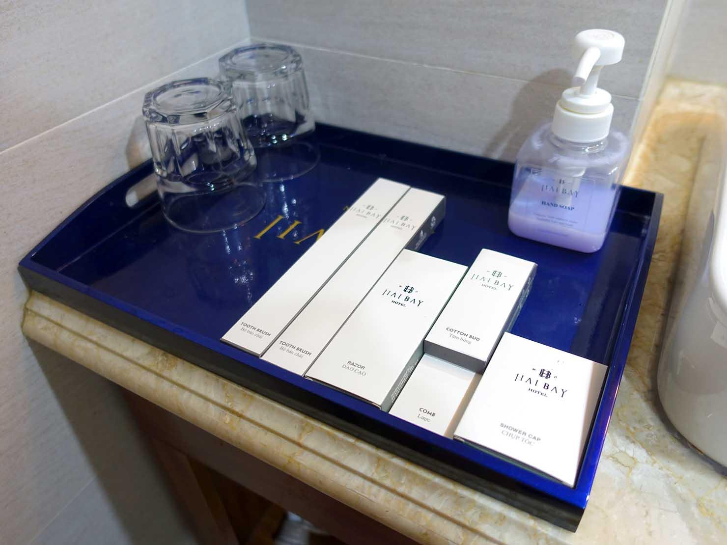 ハノイ旧市街ど真ん中の観光に便利なおすすめホテル「Hai Bay Hotel」エグゼクティブ・ダブルルームのバスルームアメニティ