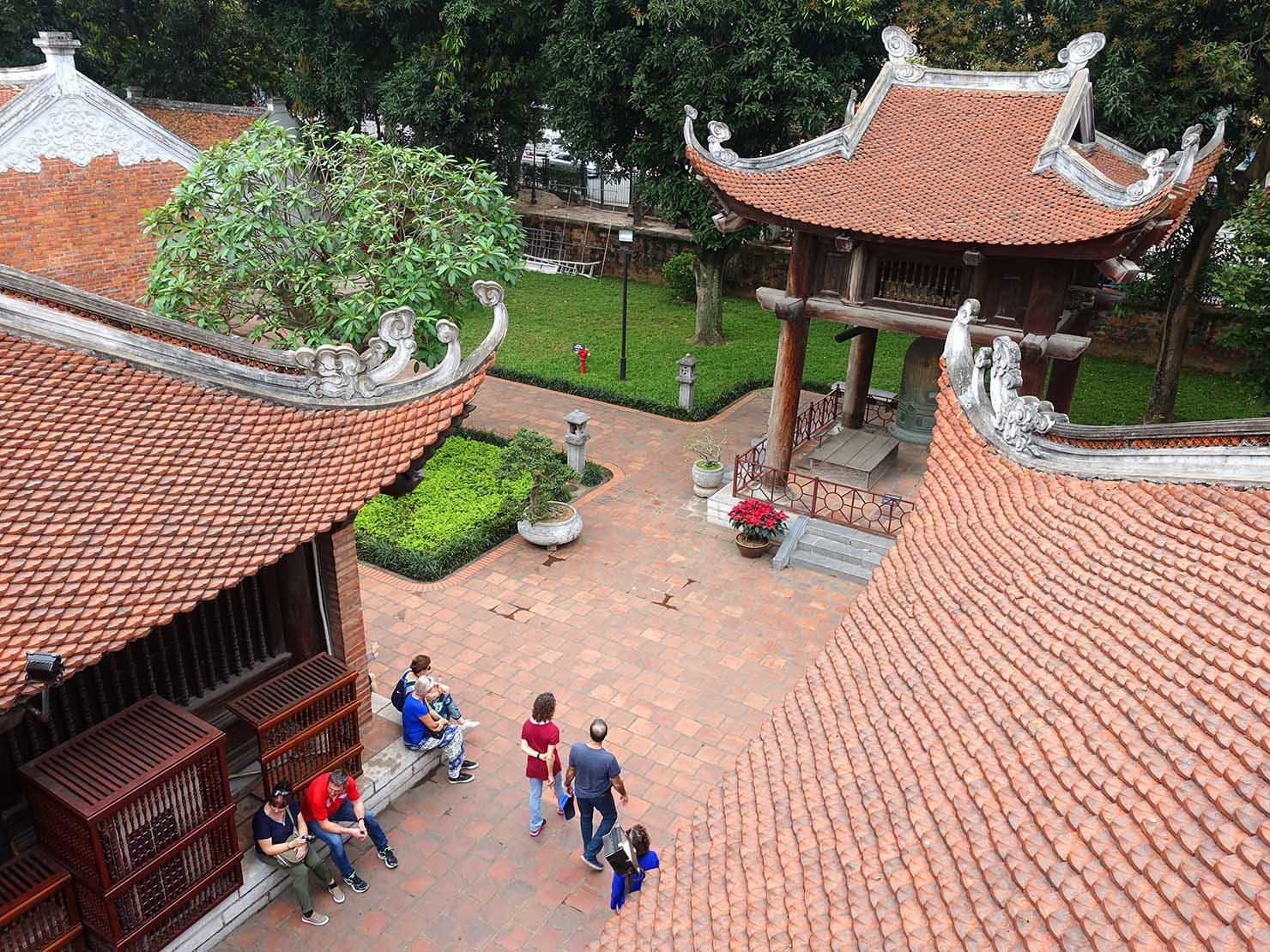 ベトナム・ハノイ旧市街の観光スポット「文廟」の屋根