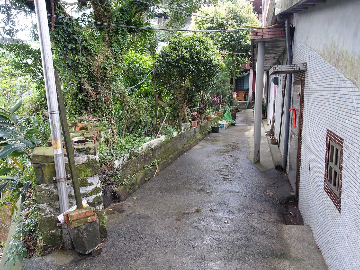 台北・九份のおすすめゲストハウス「九份小町」前の小道