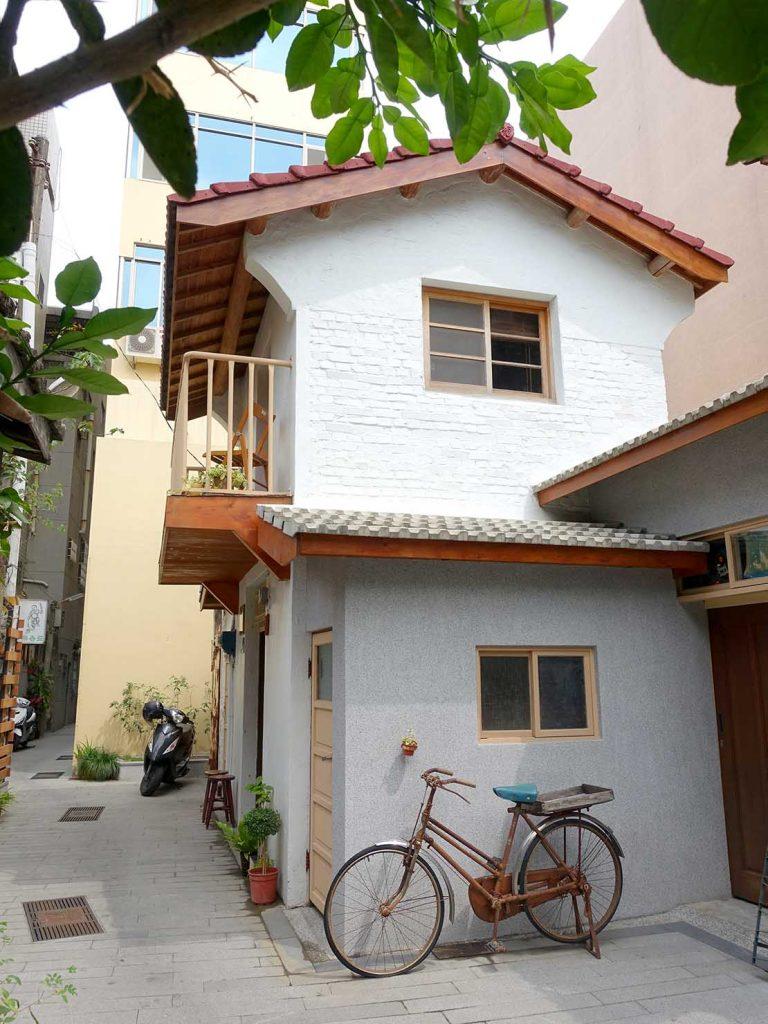 台南のおすすめ古民家ゲストハウス「永福97.1」蝸牛巷からの外観