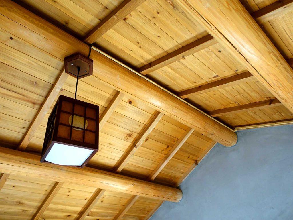 台南のおすすめ古民家ゲストハウス「永福97.1」アティックキャビン2Fの屋根