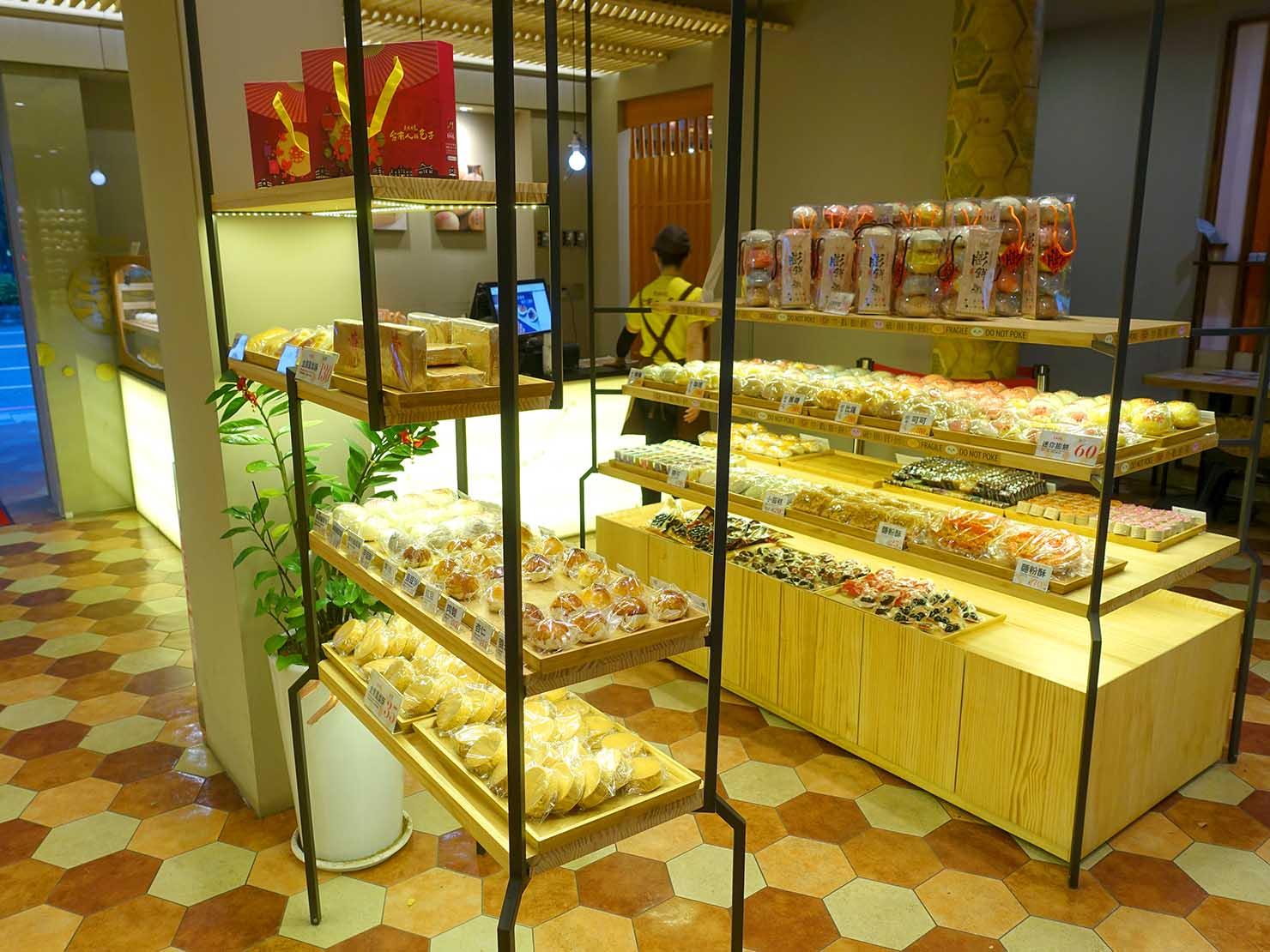 台南・孔廟エリアのおすすめグルメ店「克林台包」の店内