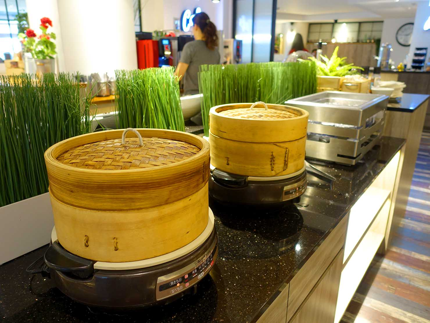 高雄・西子灣の港に立つ海辺のホテル「碧港良居 Watermark Hotel」の朝食ビュッフェ(蒸し物)