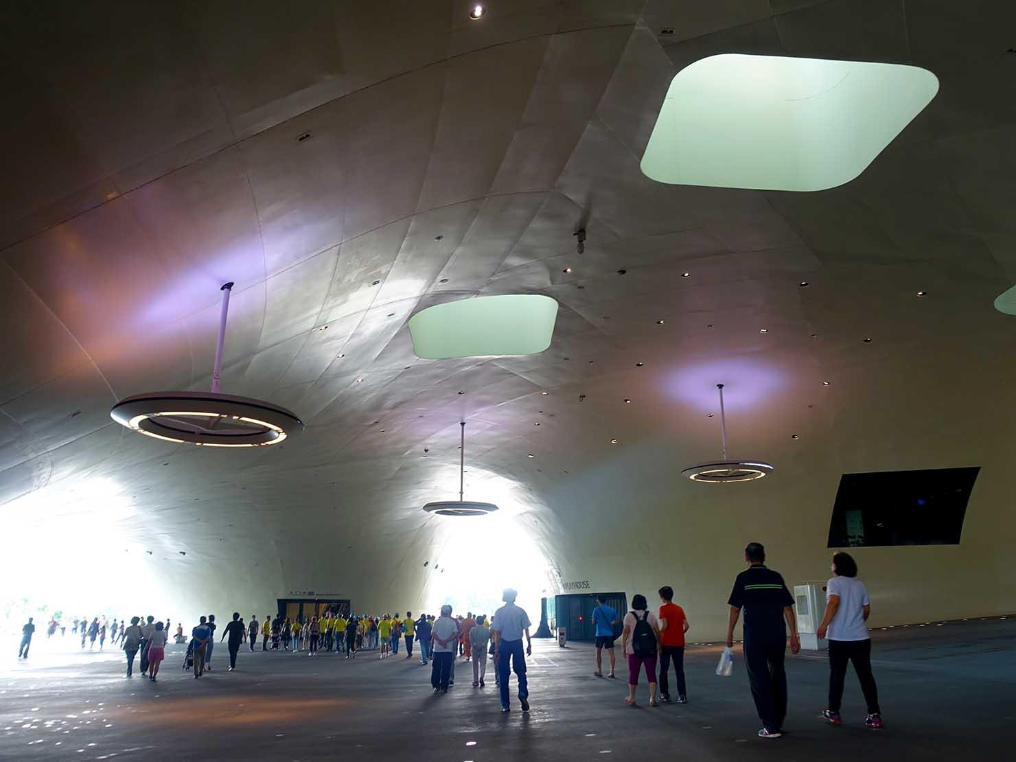 高雄のおすすめ観光スポット「衛武營」國家藝術文化中心のエントランス