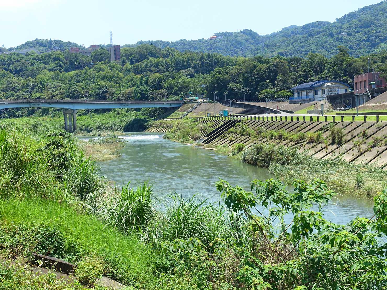 台北一周自転車道「道南河濱公園」から眺める景美溪