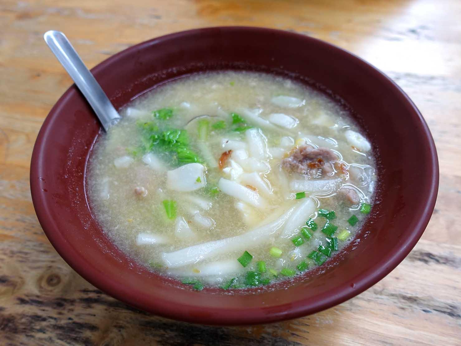 台北一周自転車道・昼食の鍋燒麵