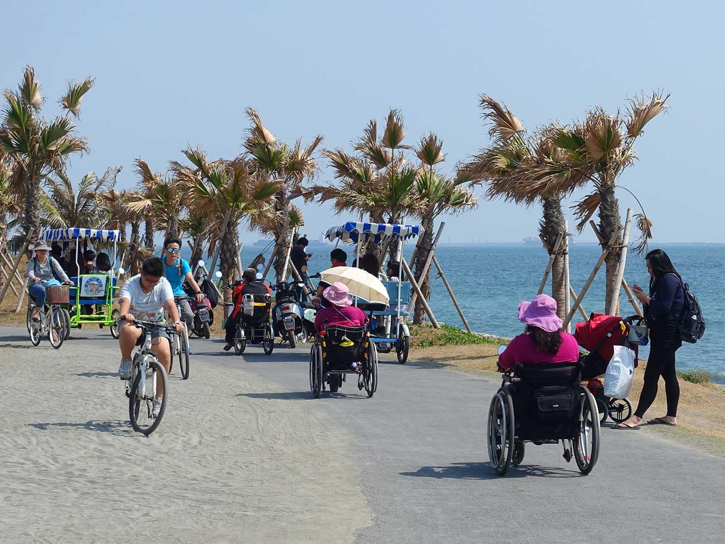 高雄のおすすめ観光スポット「西子灣」旗津のサイクリングロード