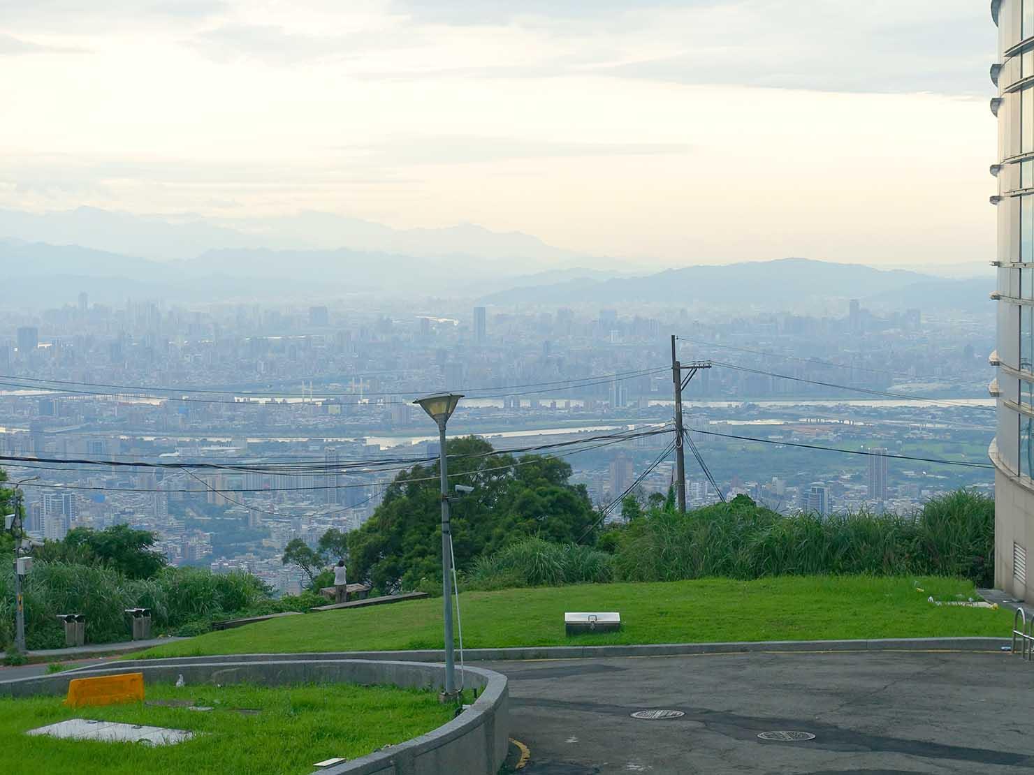 台北・陽明山のレストラン「草山夜未眠」へのアクセス(文化大學後山)