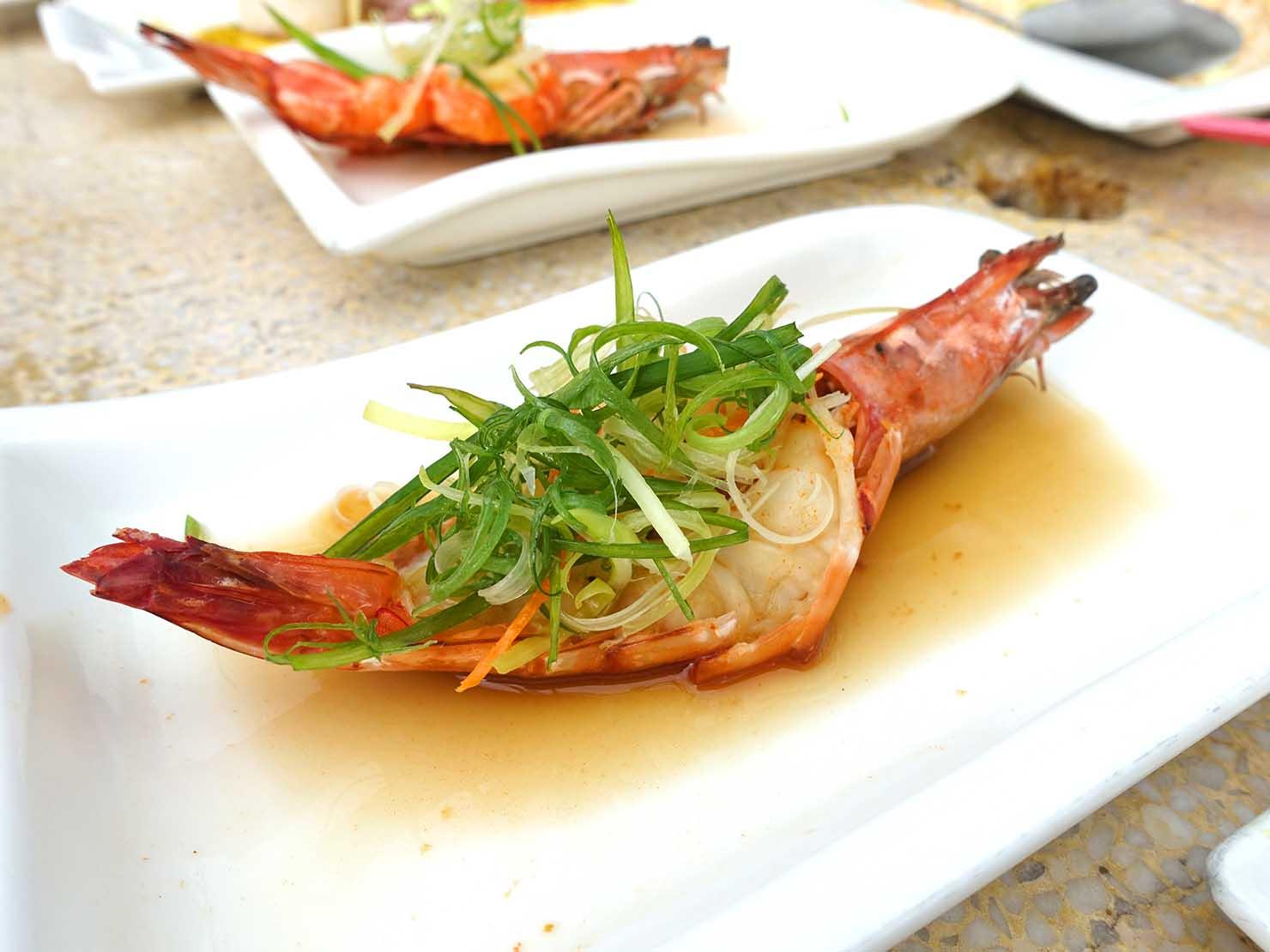 台北・陽明山のレストラン「草山夜未眠」の清蒸大明蝦