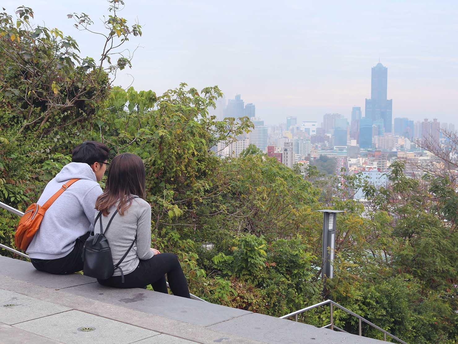 高雄のおすすめ観光スポット「西子灣」忠烈祠から眺める高雄市街