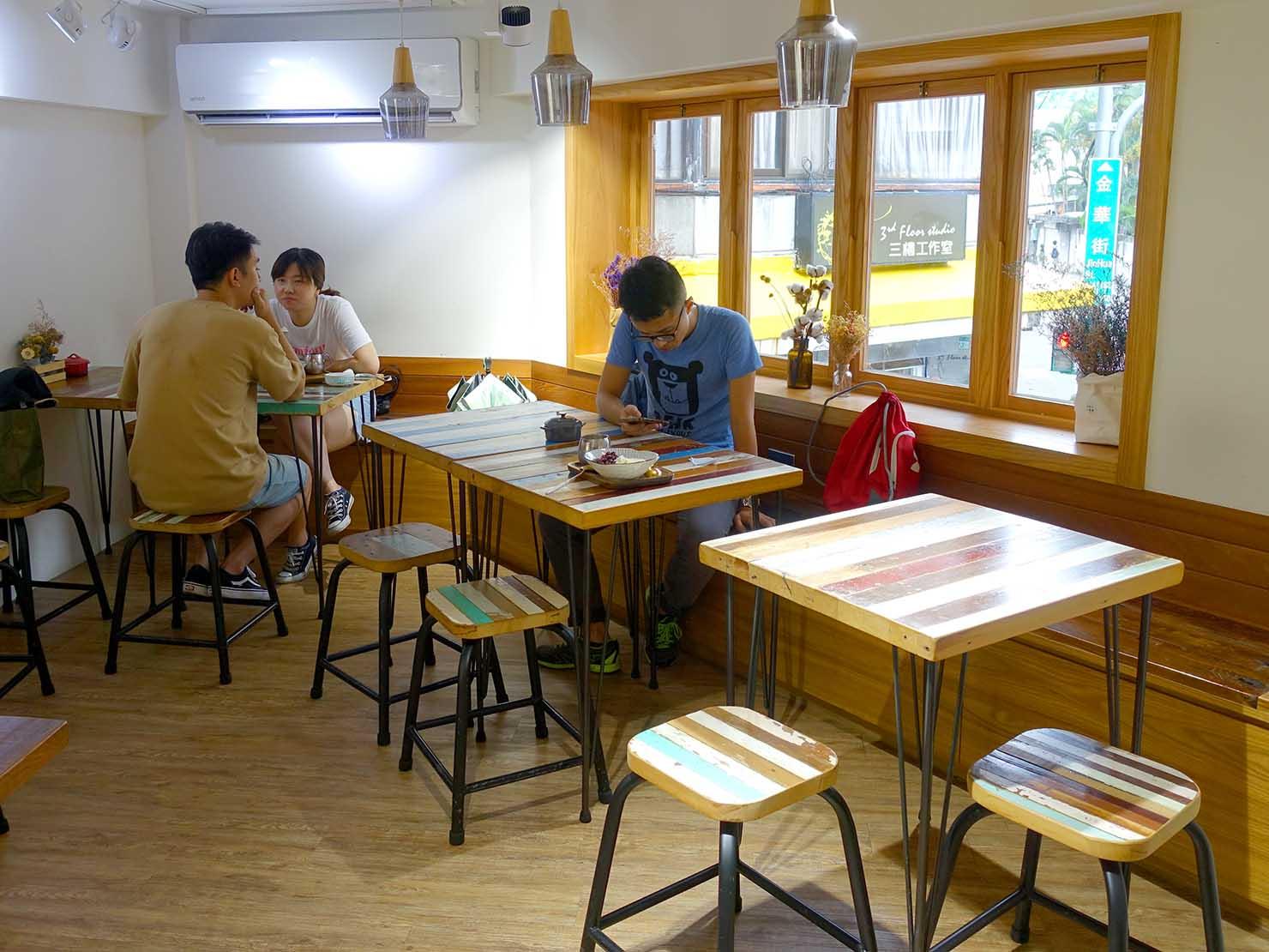 台北・永康街の豆花がいただけるお店「二吉軒豆乳」の店内