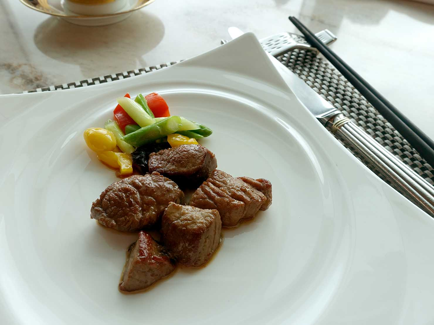 高級レストラン「頂鮮台北101」ランチセットのお肉・牛排
