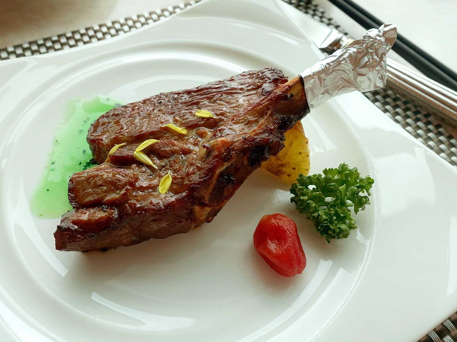高級レストラン「頂鮮台北101」ランチセットのお肉・羊排
