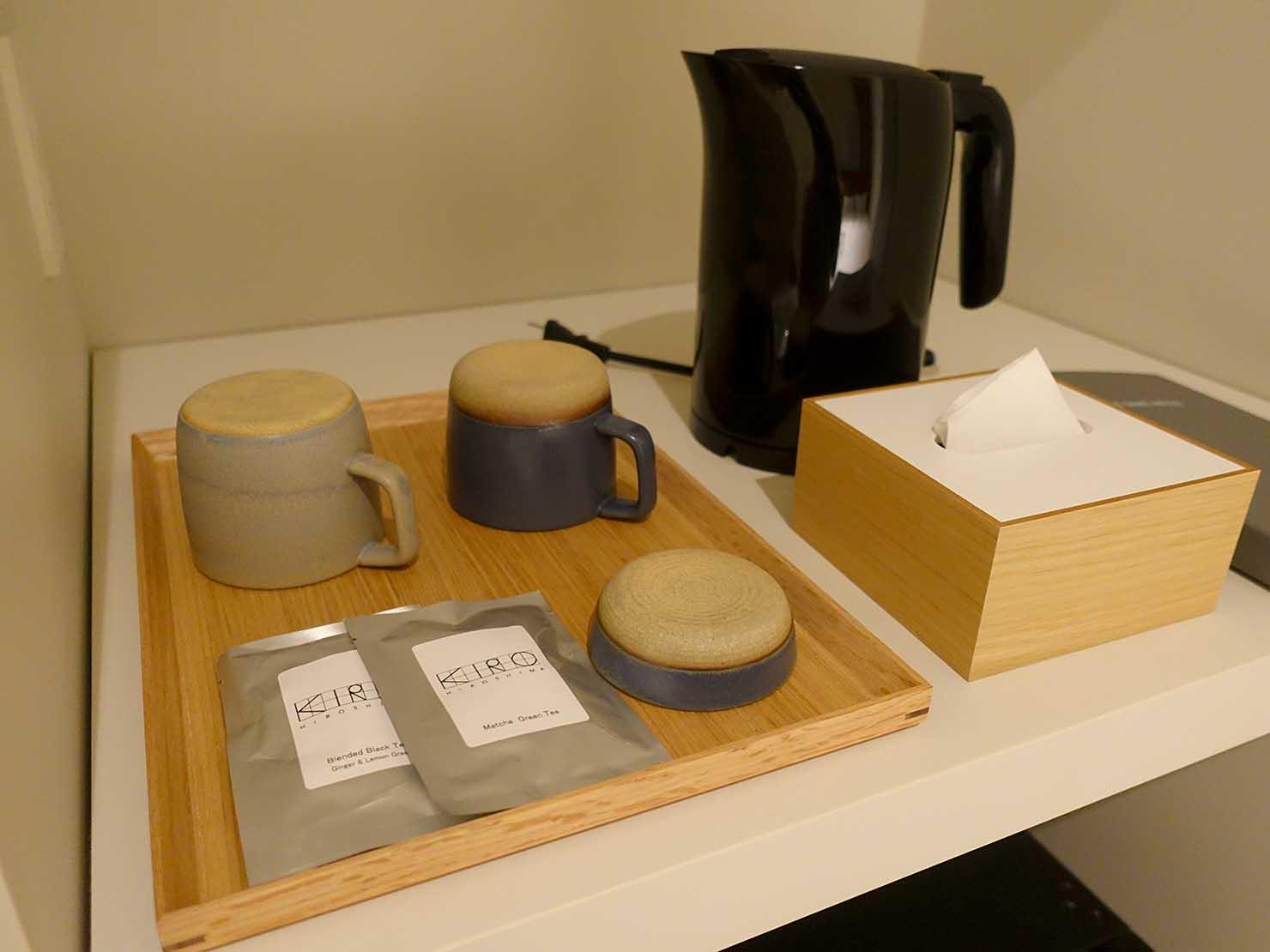 広島・八丁堀のおしゃれなリノベホテル「KIRO広島 The Share Hotels」コンパクトダブルに準備されたティーバッグ