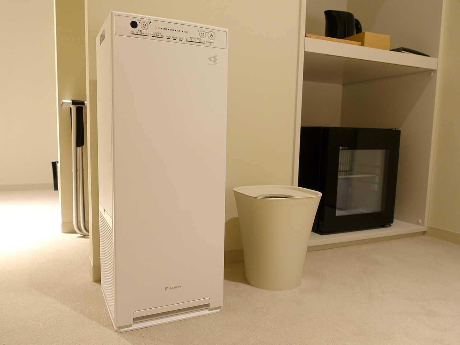 広島・八丁堀のおしゃれなリノベホテル「KIRO広島 The Share Hotels」コンパクトダブルの空気清浄機
