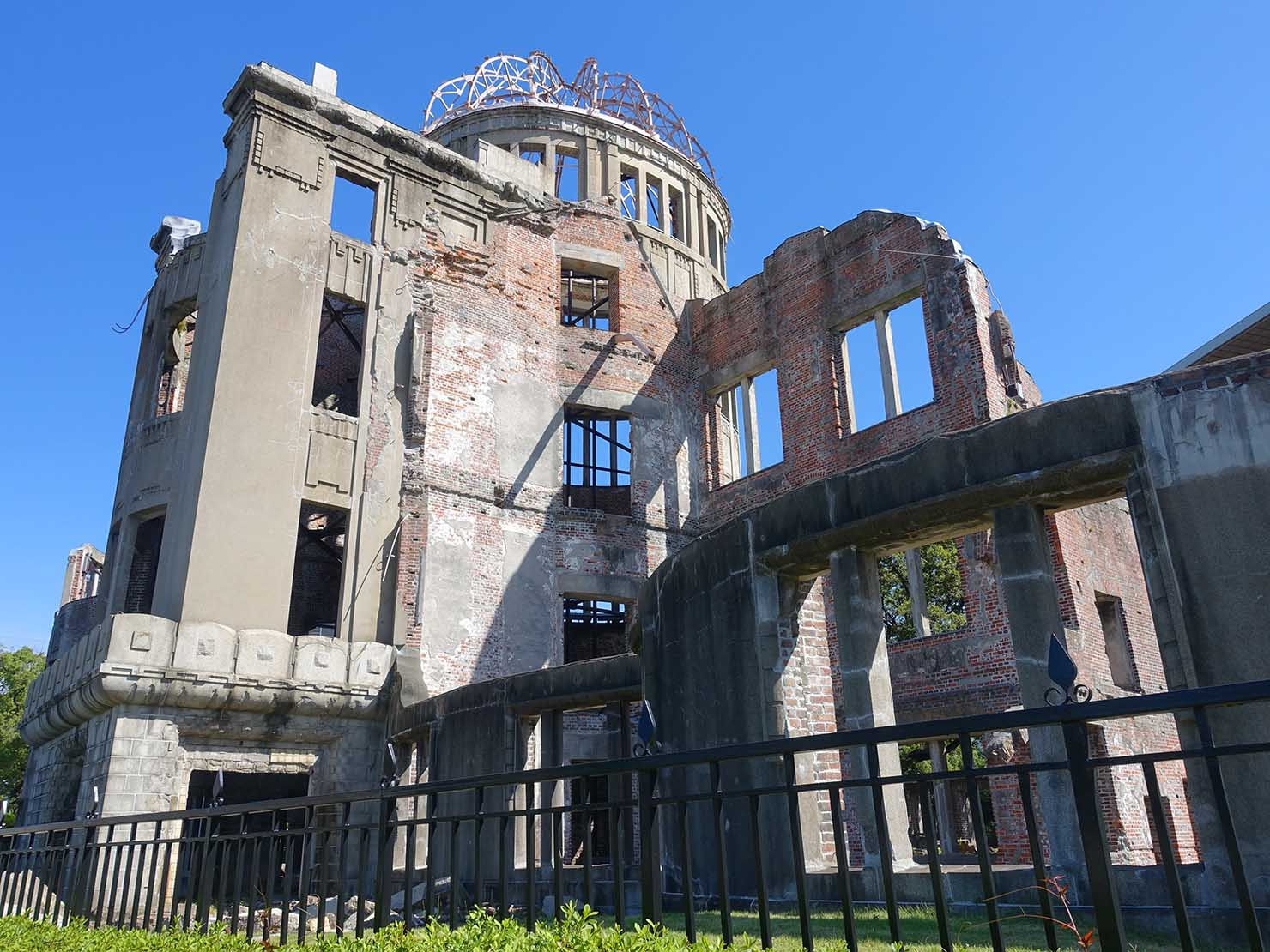 広島市内観光の見どころ「広島平和記念碑」