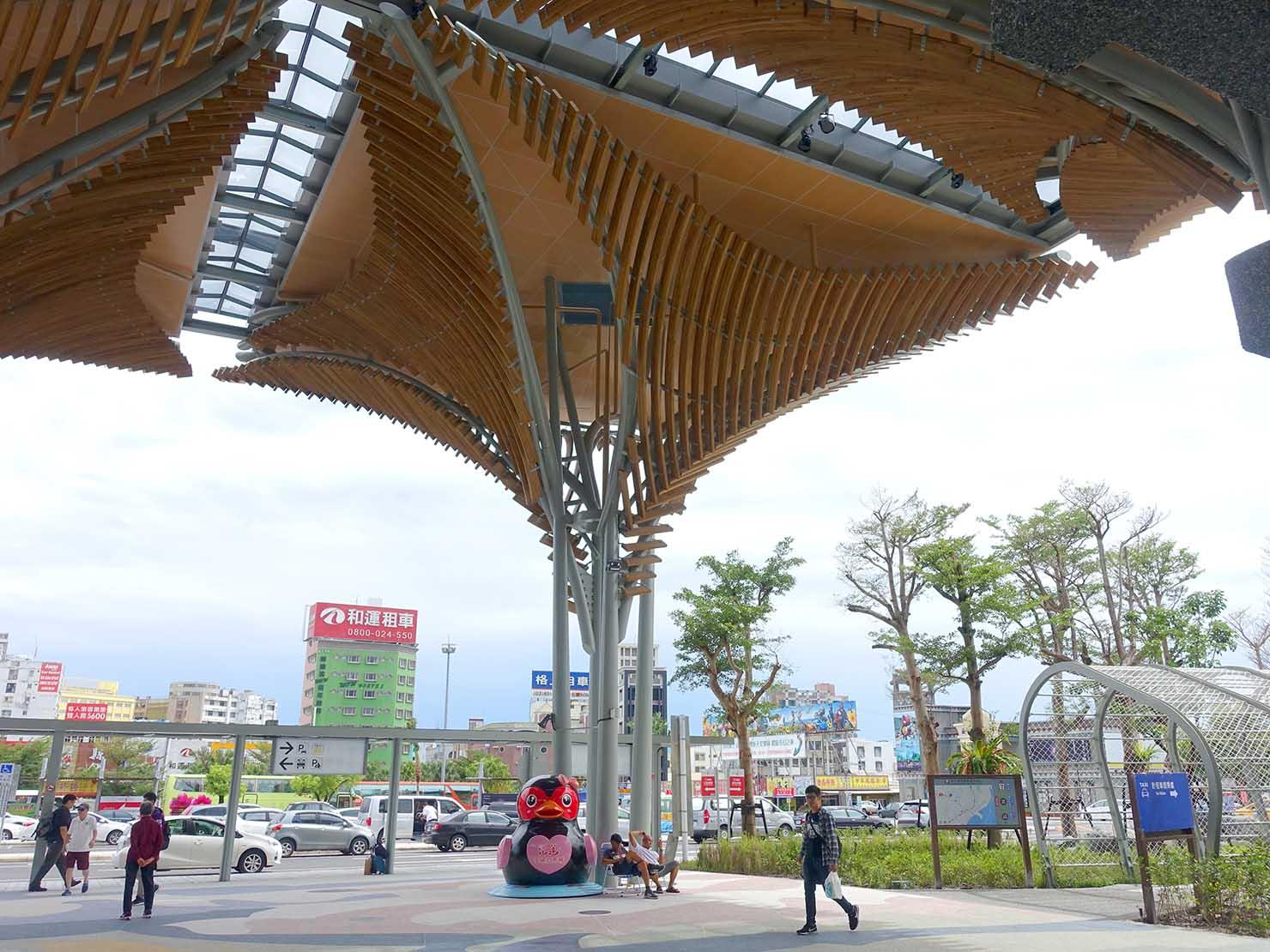 新しくなった花蓮駅前コンコース
