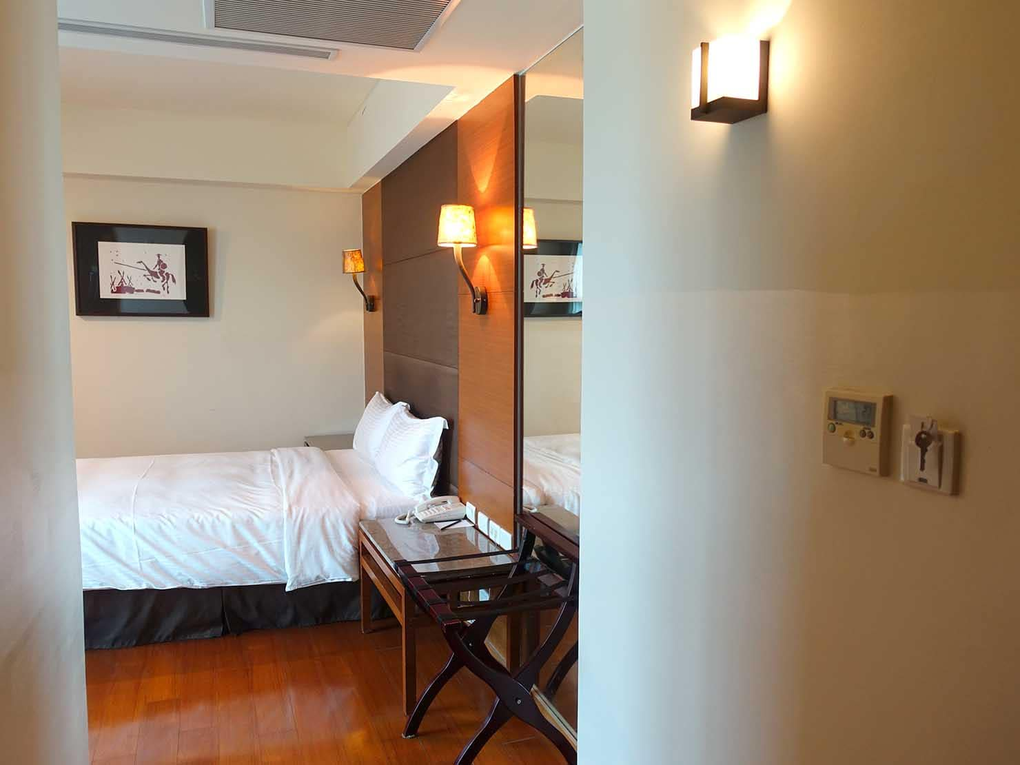 花蓮市街中心部にあるホテル「馥麗生活旅店 Quality Inn」スーペリアダブルの廊下