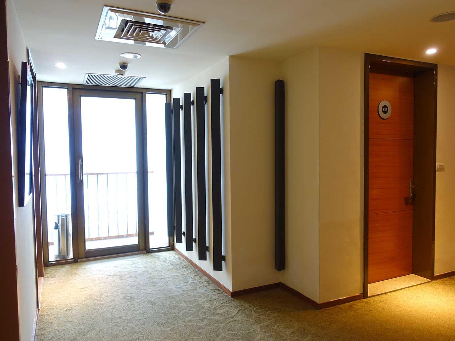 花蓮市街中心部にあるホテル「馥麗生活旅店 Quality Inn」のエレベーターホール