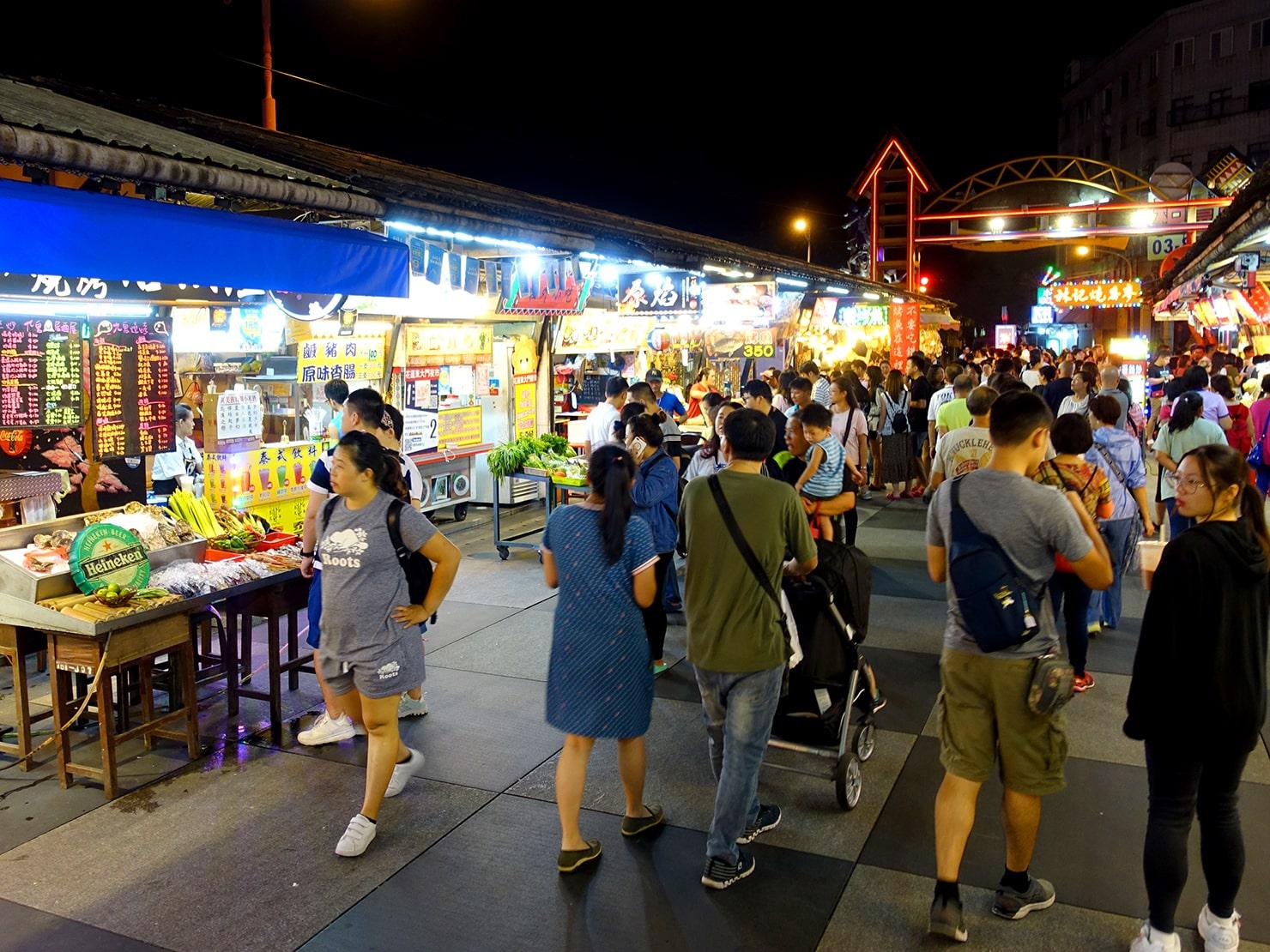 台湾・花蓮のおすすめ観光スポット「東大門夜市」