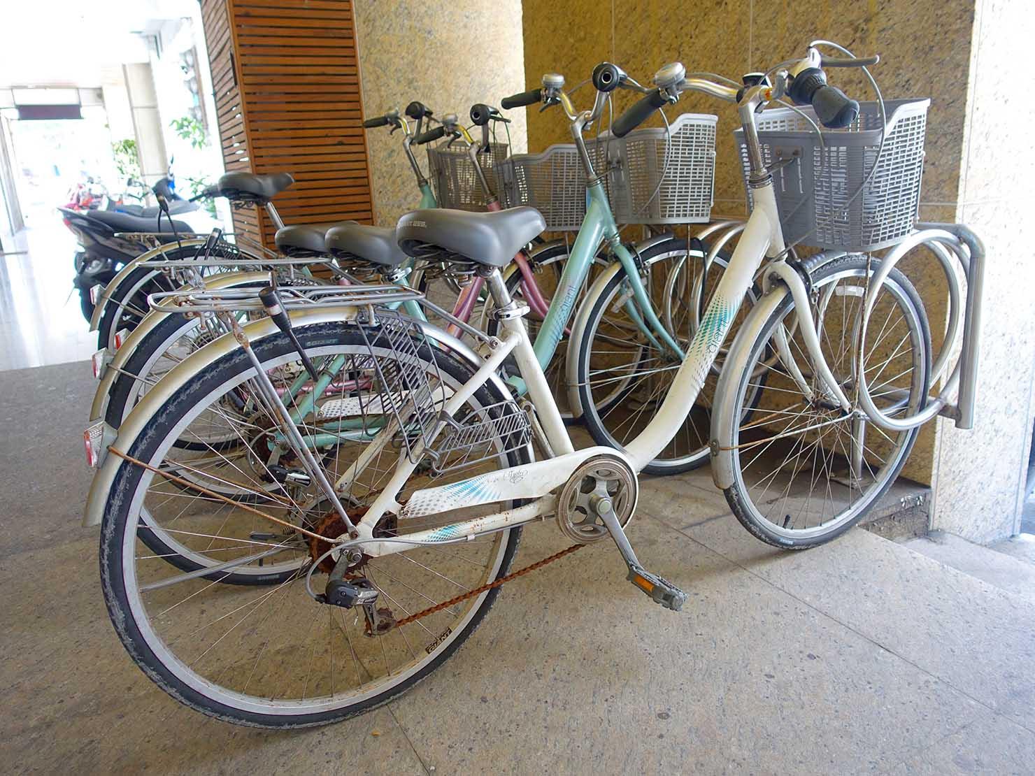 花蓮市街中心部にあるホテル「馥麗生活旅店 Quality Inn」のレンタサイクル