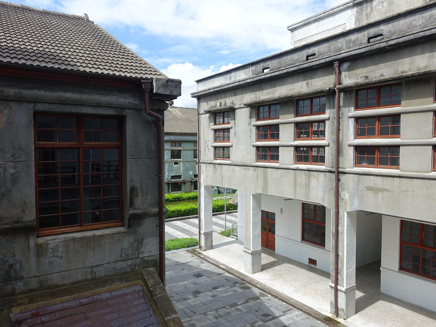 台湾・花蓮のおすすめ観光スポット「a-zone花蓮文化創意產業園區」の建物群