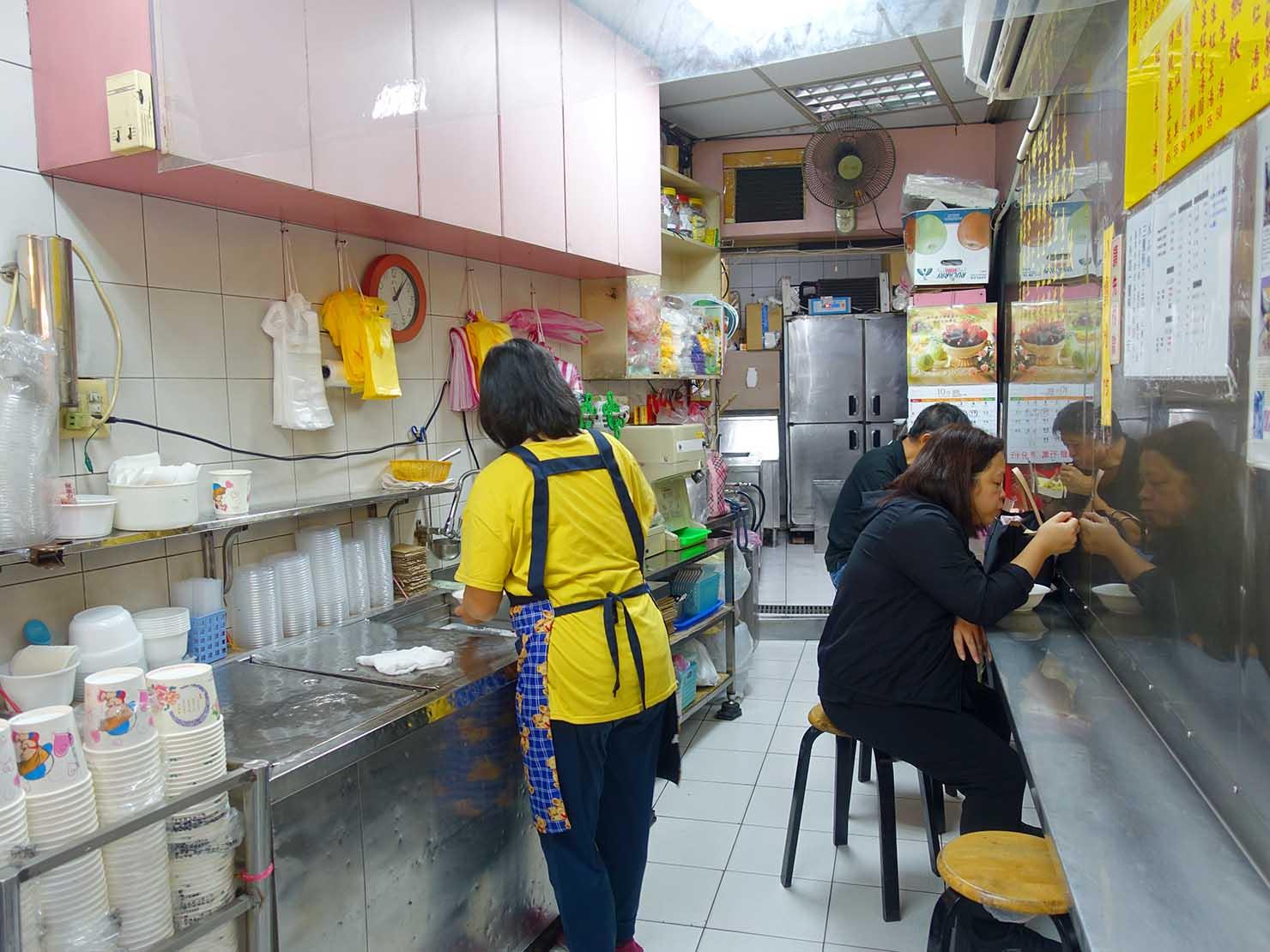 台北・民權西路&中山國中駅周辺(晴光市場)のおすすめグルメ店「丁香豆花」の店内