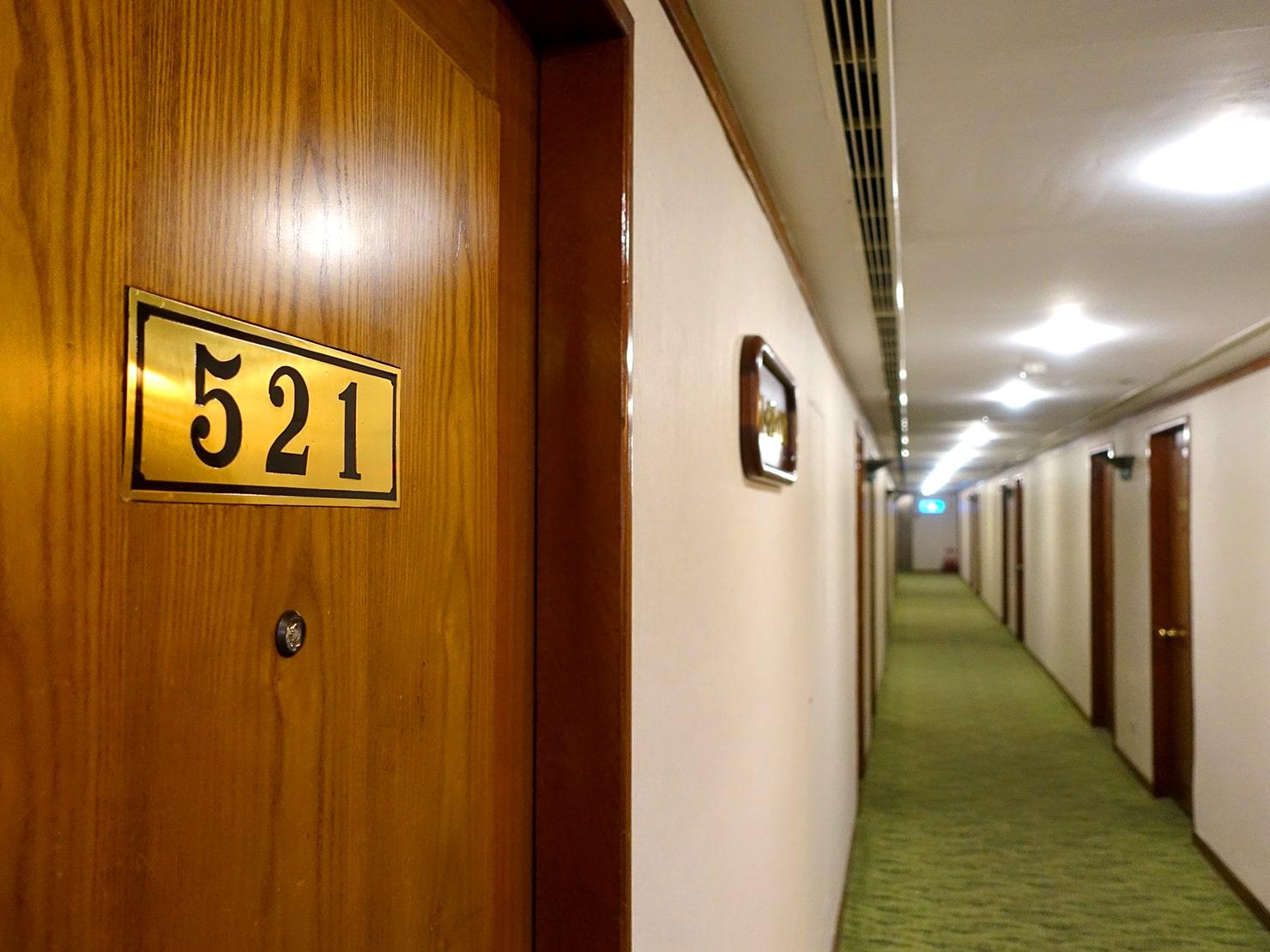 台南駅が目の前の老舗ホテル「台南大飯店 Hotel Tainan」のエレベーターホール